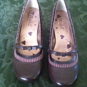 Mudd Brown Kitten Heel Pumps, never worn, size 8M